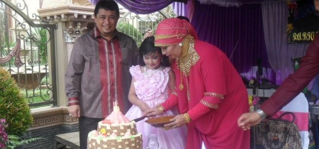 Isnandar Sosok Ayah Yang Dekat Putrinya