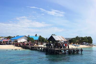 Menjala Rupiah Kusut di Pulau Terdepan
