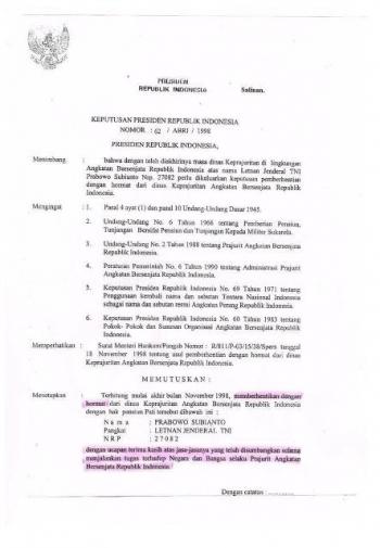Bj Habibie Menanda Tangani Surat Keputusan Pensiun Prabowo