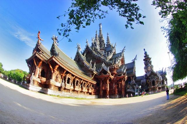 Merenungi Filosofi Kehidupan di Sanctuary of Truth - Thailand