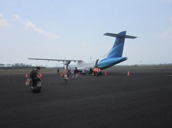 Pengalaman Perdana Naik Pesawat Garuda Indonesia Dari