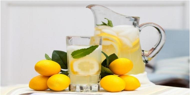 Manfaat Menakjubkan Minum Air Rebusan Lemon di Pagi Hari