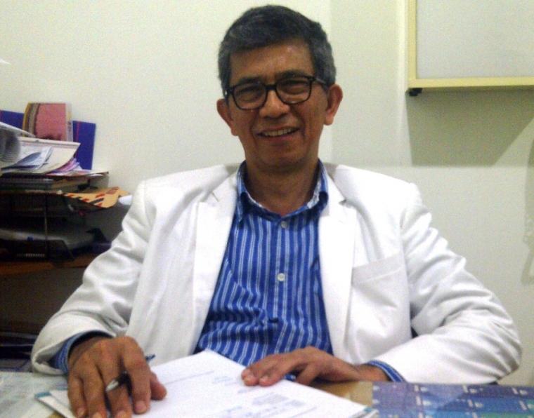 Prof. dr. Helmi, Dokter Handal yang Sungguh Dapat Diandalkan