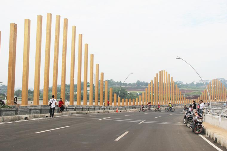 Di Balik Pesona Golden Bridge Penghubung Cinere - Pondok Cabe