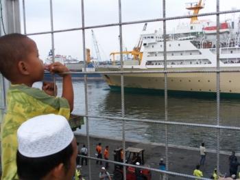Pengalaman Naik Kapal Pelni Diwawancarai Wartawan Pelabuhan Oleh