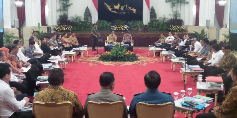 Trik Melengserkan Jokowi, Antara Lesunya Ekonomi dan Persekongkolan Para Mafia!