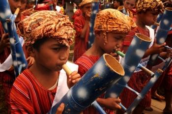 Mengenal 6 alat musik dari Tana Toraja oleh Heriyanto Rantelino