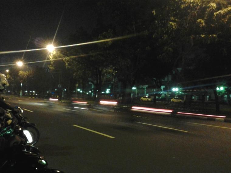 Malam Jumat, Balap Liar, dan Sisi Lain Jakarta